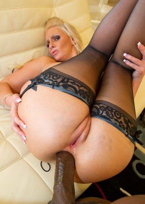 Black Anal Pictures